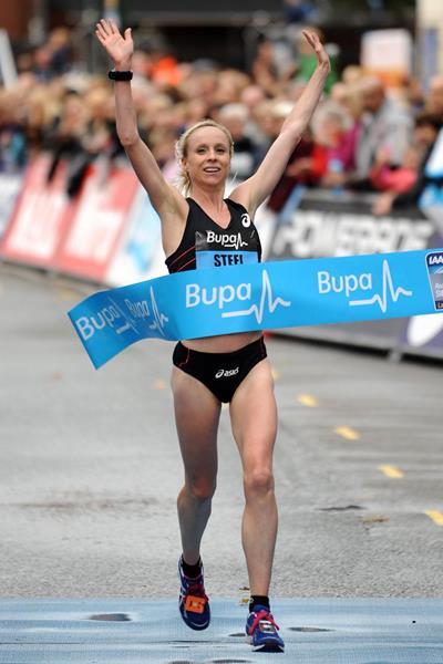 Gemma Steel wins the Great Birmingham Run with a course record (Mark Shearman)