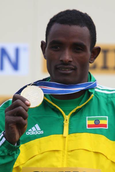 Men's junior champion Ibrahim Jeilan of Ethiopia - Edinburgh 2008 (Getty Images)