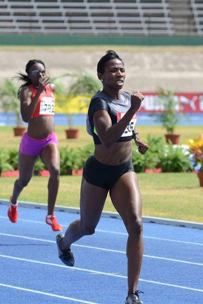 Melaine Walker en route to a quick 54.88 in the 400m Hurdles prelims in Kingston (Anthony Foster)