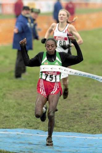 Gete Wami winning the women's short race in Ostend (© Allsport)