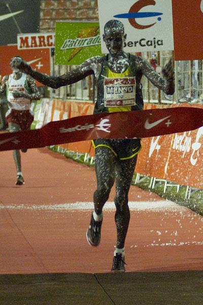 Early new Year celebration - Kiprono Menjo winning Madrid 10 km (Negami)