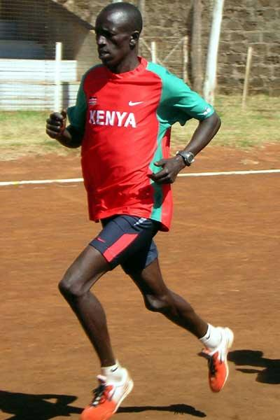 Ezekiel Kemboi training in Eldoret (Macharia)