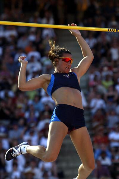 Stacy Dragila at the 2001 IAAF World Championships (Getty Images)