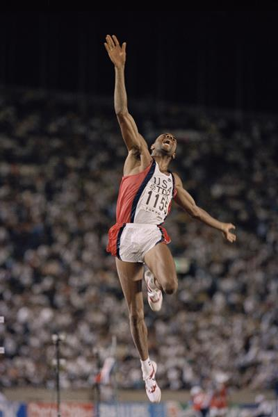 Mike Powell jumps 8.95m to set a World record at the 1991 IAAF World Championships in Tokyo (Getty Images)
