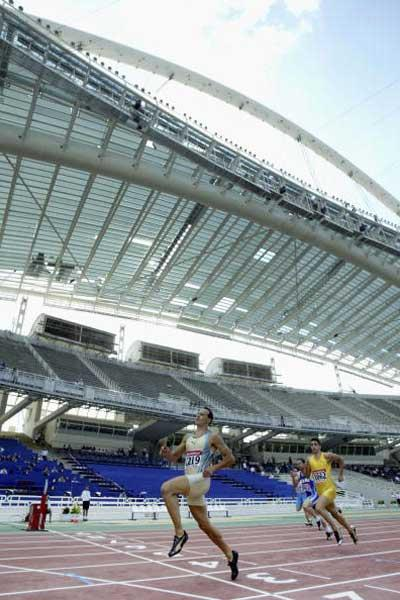 Konstadínos Kedéris (GRE) running in the newly renovated Olympic stadium in Athens (Getty Images)