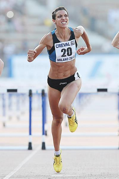 Sprint hurdler Marzia Caravelli in action at the 2013 Italian Championships (Giancarlo Colombo)