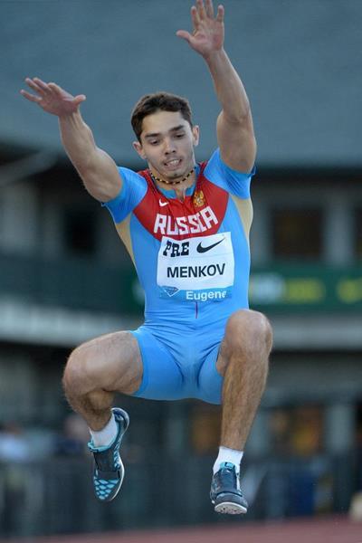 Alexandr Menkov at the 2013 IAAF Diamond League meeting in Eugene (Kirby Lee)