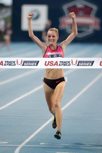Shalane Flanagan celebrates her 10,000m win at the 2013 US Championships (Kirby Lee)