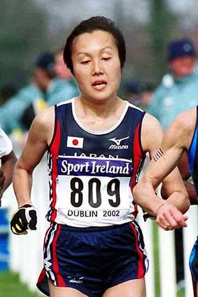 Miwako Yamanaka of Japan - 4th, 2002 World XC women's long course race in Dublin (Mark Shearman)