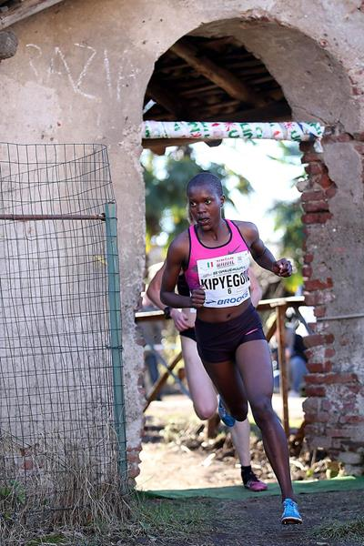 Faith Kipyegon in action at the Cinque Mulini (Giancarlo Colombo)