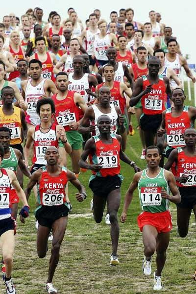 Kenenisa Bekele heads the men's Short Race (Getty Images)