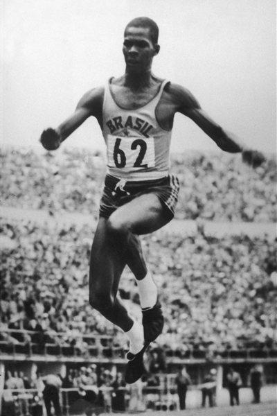 Adhemar da Silva on his way to Olympic triple jump gold in 1952 (Getty Images)