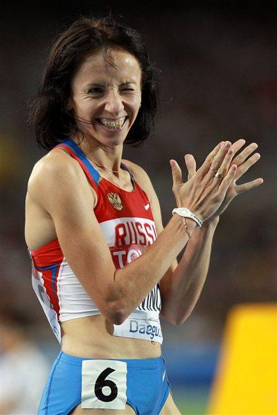 Mariya Savinova of Russia celebrates victory in the women's 800 metres final  (Getty Images)