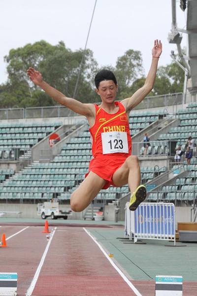 Long jumper Wang Jianan in action at the 2013 Australian Youth Olympic Festival (David Tarbotton)