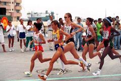 The women's field at the IAAF World Half Marathon Championships in Veracruz (© Allsport)