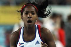 Yarisley Silva of Cuba reacts as she competes in the women's Pole Vault final - WIC Istanbul (Getty Images)