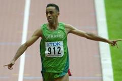 Jaouad Gharib of Morocco wins the marathon at the 2003 IAAF World Championships (Getty Images)
