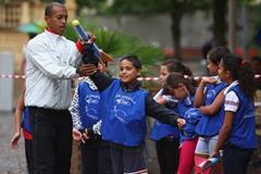 IAAF Ambassador Stephane Diagana during Kids' Athletics (Getty Images)