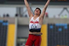 Robert Szpak of Poland celebrates the gold medal in the Men's Javelin Final (Getty Images)