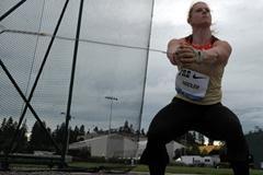 Betty Heidler throwing in Eugene (Kirby Lee - Image of Sport)