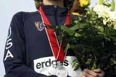 Deena Drossin with her World XC silver medal in Lausanne (Getty Images)
