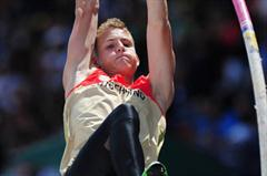 Lukas HALLANZY (GER) in action during the Boys Pole Vault final - Day Five - WYC Lille 2011 (Getty Images)
