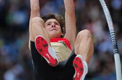Oleg ZERNIKEL of Germany in action during the Boys Pole Vault final - Day Five - WYC Lille 2011 (Getty Images)