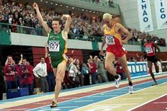Rui Silva (POR) wins the 2001 World Indoor 1500m title (Getty Images)