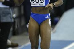 Muriel Hurtis (FRA) winning her 200m semi final (Getty Images)