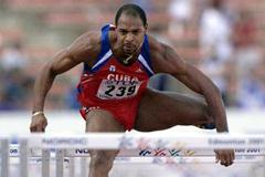 Cuba's Anier Garcia in the 110 metre hurdles heats (© Allsport)