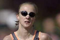 Paula Radcliffe running at the 2002 London Marathon (Getty Images)