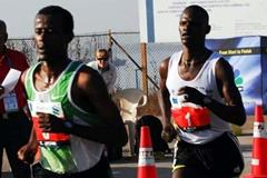 Jufar leads Kelai in Mumbai in January 2008 (MarathonPhotos.com)