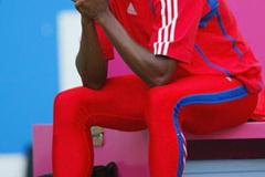 A dejected Ivan Pedroso fails toqualify for the long jump final (Getty Images)