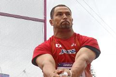 Koji Murofushi of Japan in action during the Men's Hammer Throw qualification on Day 7 of the London 2012 Olympic Games at Olympic Stadium on August 3, 2012 (Getty Images)