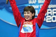 Anastasiya Kapachinskaya (RUS) celebrates winning the women's 200m final in Budapest (Getty Images)