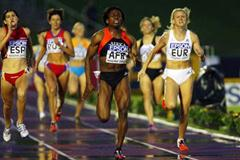 Maria Mutola and Jolanda Ceplak battle for World Cup win (Getty Images)