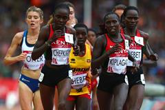 Joyce Chepkirui of Kenya leads the 10,000m at the 2014 Commonwealth Games (Getty Images)
