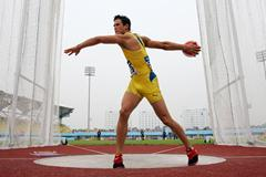 Bjorn Barrefors of Sweden in action during the Discus Throw of the men's Decathlon (Getty Images)