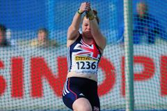 Louisa JAMES of Great Britain in action on her way to winning the Girls Hammer throw - Day Four - WYC Lille 2011 (Getty Images)