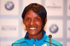 Aberu Kebede at the press conference ahead of the Frankfurt Marathon (Victah Sailer)