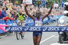 Joyce Chepkirui wins the women's race at the Dam tot Damloop (Organisers)