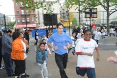 Anthony Famiglietti at the New York Road Runners Foundation's Mighty Milers program event in New York on 14 May 2009 (NYRR)