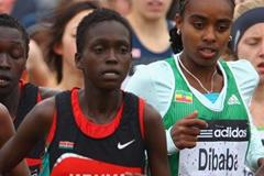 Genzebe Dibaba (r) along side Kenyan Irine Chepet Cheptai, the eventual silver medallist - women's junior race - Edinburgh 2008 (Getty Images)