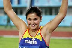 Bianca Perie (ROM) acknowledges her Hammer Throw win (Getty Images)