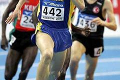 Ivan Heshko sprints to World Indoor 1500m victory in Moscow 2006 (AFP / Getty Images)
