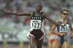 Sally Barsosio winning the 10,000m at the 1997 IAAF World Championships (Getty Images)