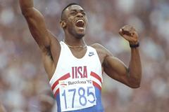 Kevin Young celebrates his World record victory in the 400m Hurdles at the 1992 Olympics (Getty Images)