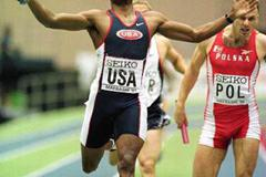 The US team win the men's 4x400m relay in Maebashi (© Allsport)