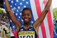 Nnenya HAILEY of USA celebrates after winning the Girls 400 metres Hurdles final - Day Four - WYC Lille 2011 (Getty Images)