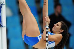 Yeoryia STEFANIDI of Greece clears the bar during the Womens Pole Vault qualification  - day two - WYC Lille (Getty Images)